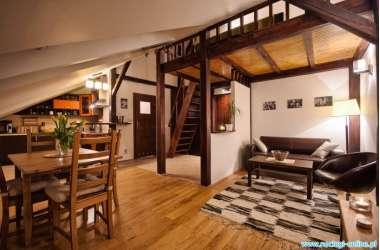 1 apartament sherwood billig unterkunft in krak w krakau. Black Bedroom Furniture Sets. Home Design Ideas