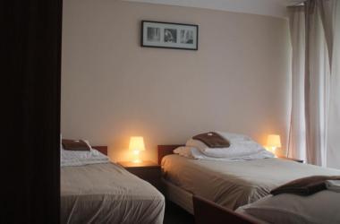 1 noclegi suse billig unterkunft in warszawa. Black Bedroom Furniture Sets. Home Design Ideas